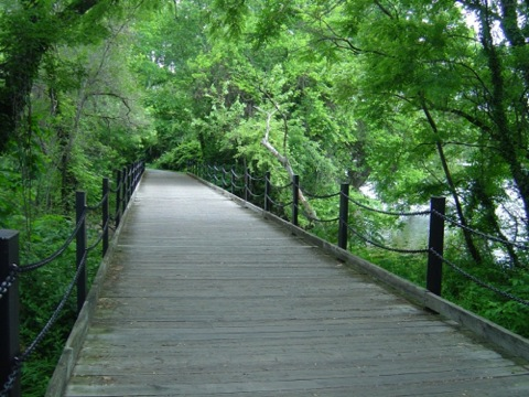 Mount Vernon Trail starts near Washington DC in Arlington